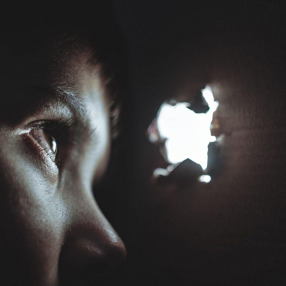 Změna myšlení u úzkosti – už tě díky transformaci mysli nebudou ovládat